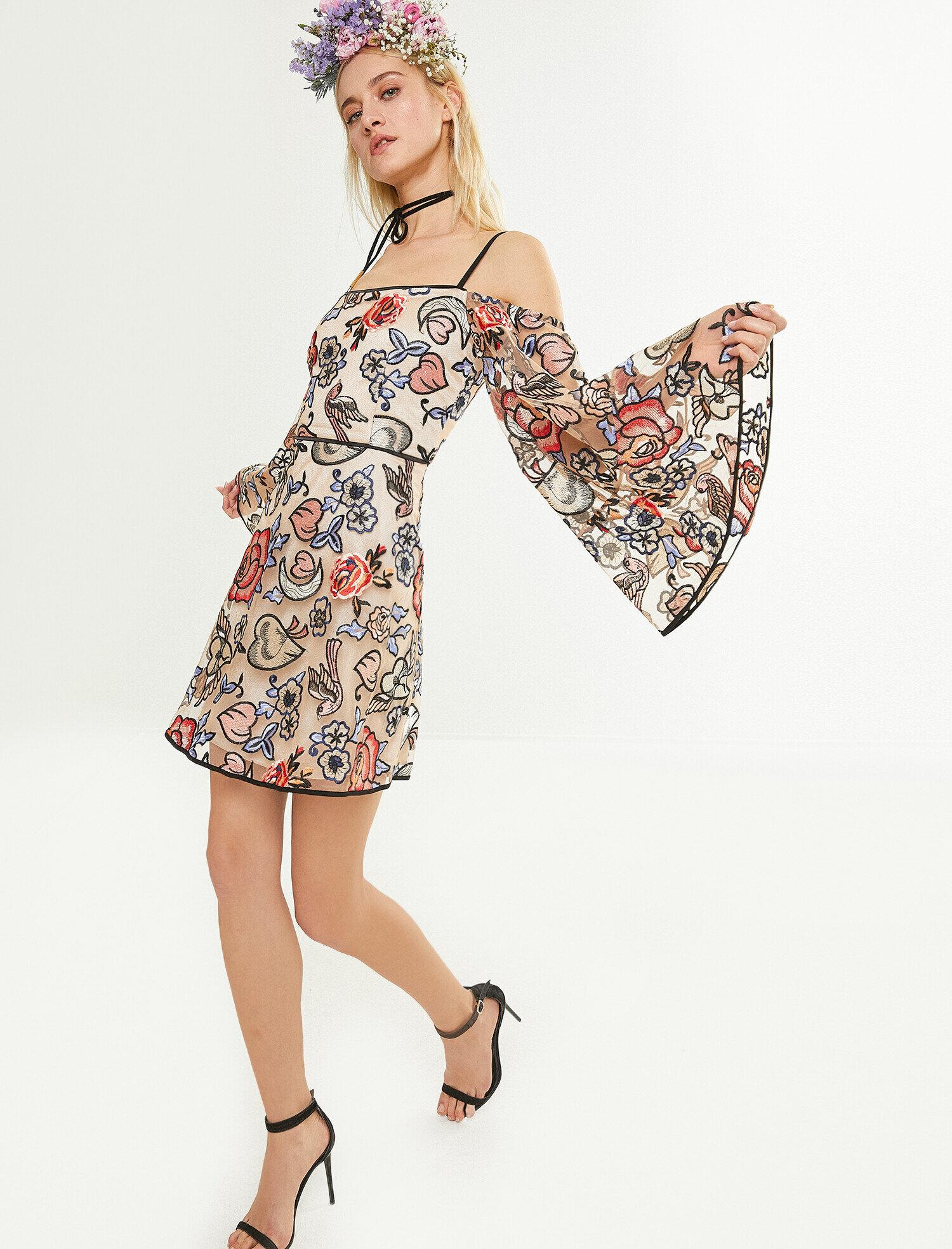 8c0e5e34a5c7f Karma Bayan Zeynep Tosun For Koton Çiçek Desenli Elbise ...