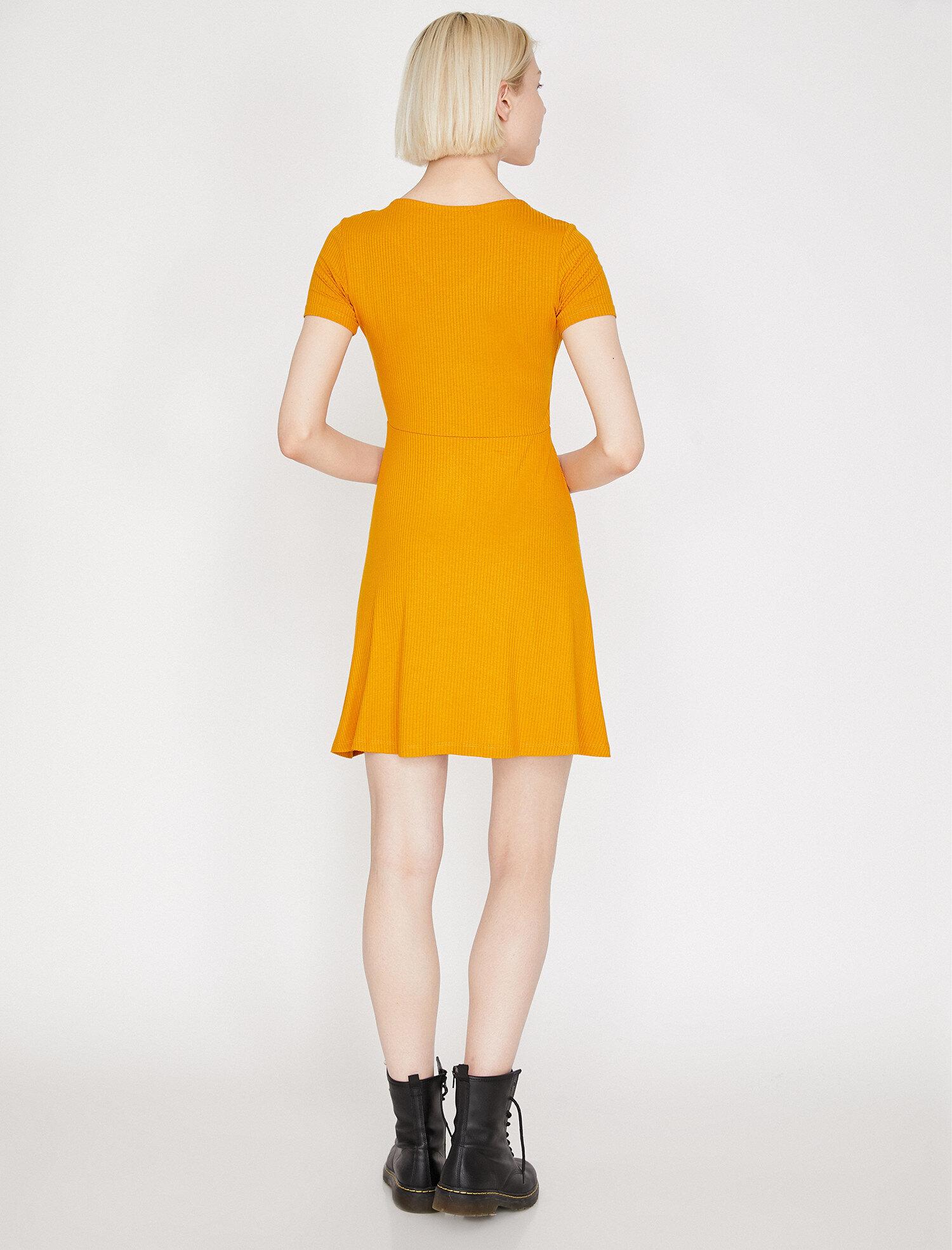 Koton V Yaka Hardal Mini Elbise
