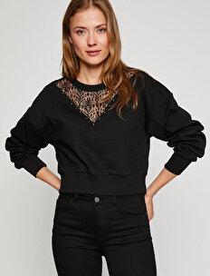 Yaka Detaylı Sweatshirt