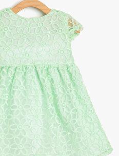 Dantel Detaylı Elbise