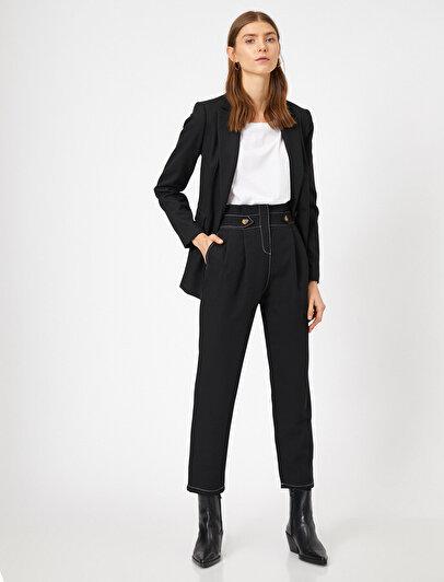 Kontrast Dikişli Düğme Detaylı Havuç Kesim Pantolon