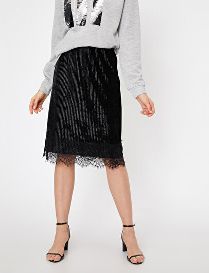 Lace Detailed Skirt