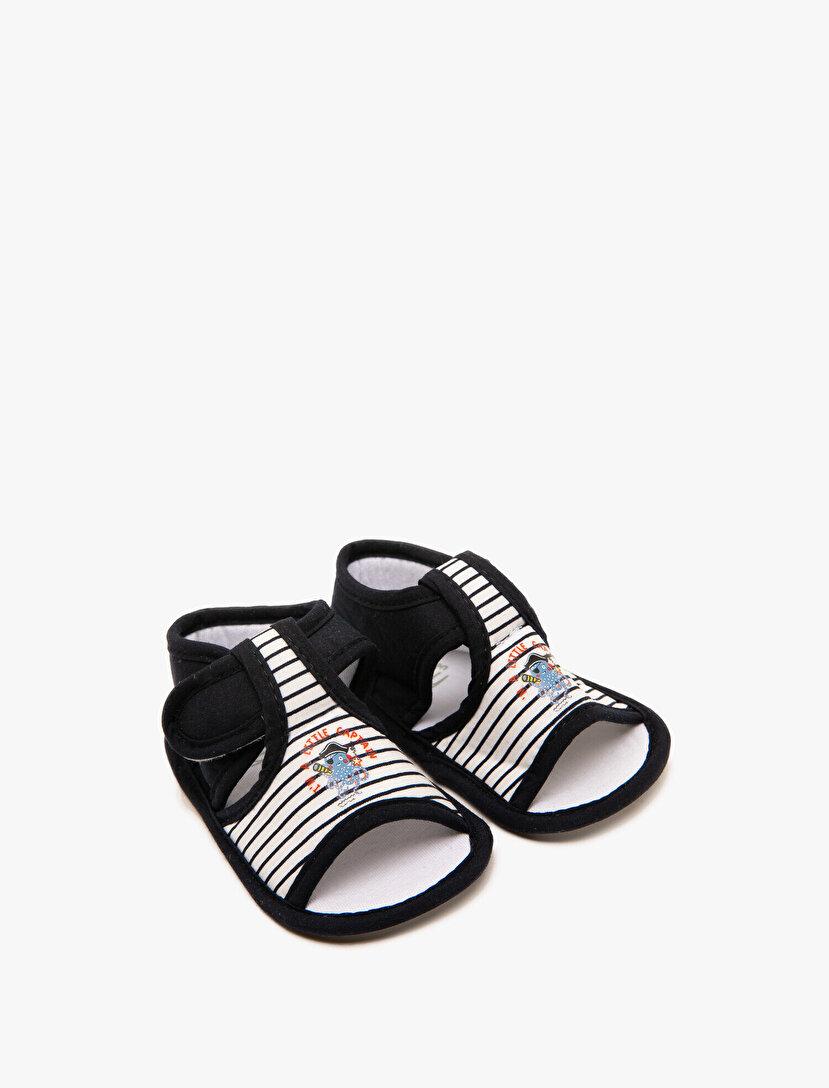 İşlemeli Sandalet