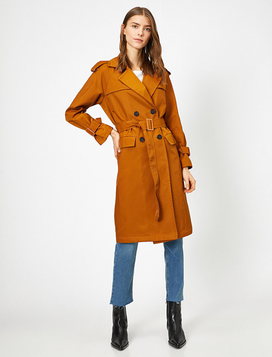 Button Detailed Trenchcoat