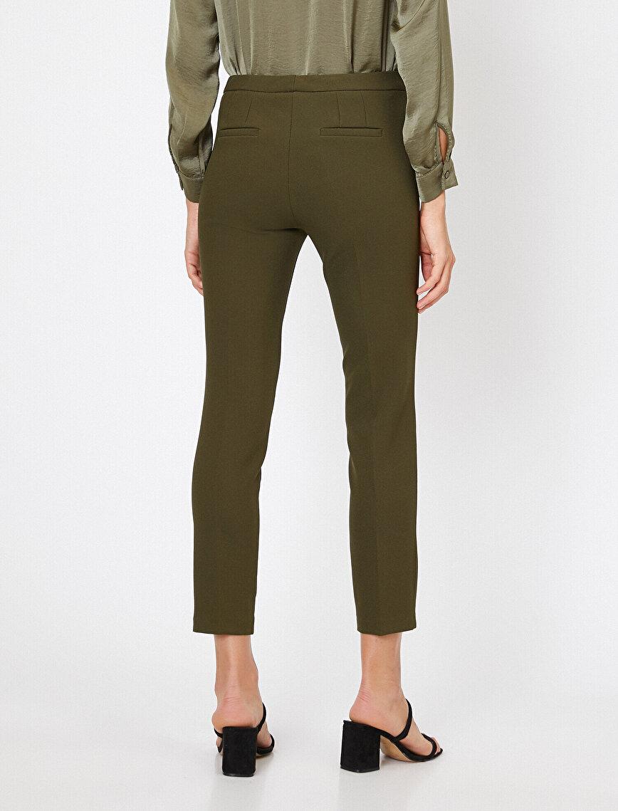Düğme Detaylı Pantolon