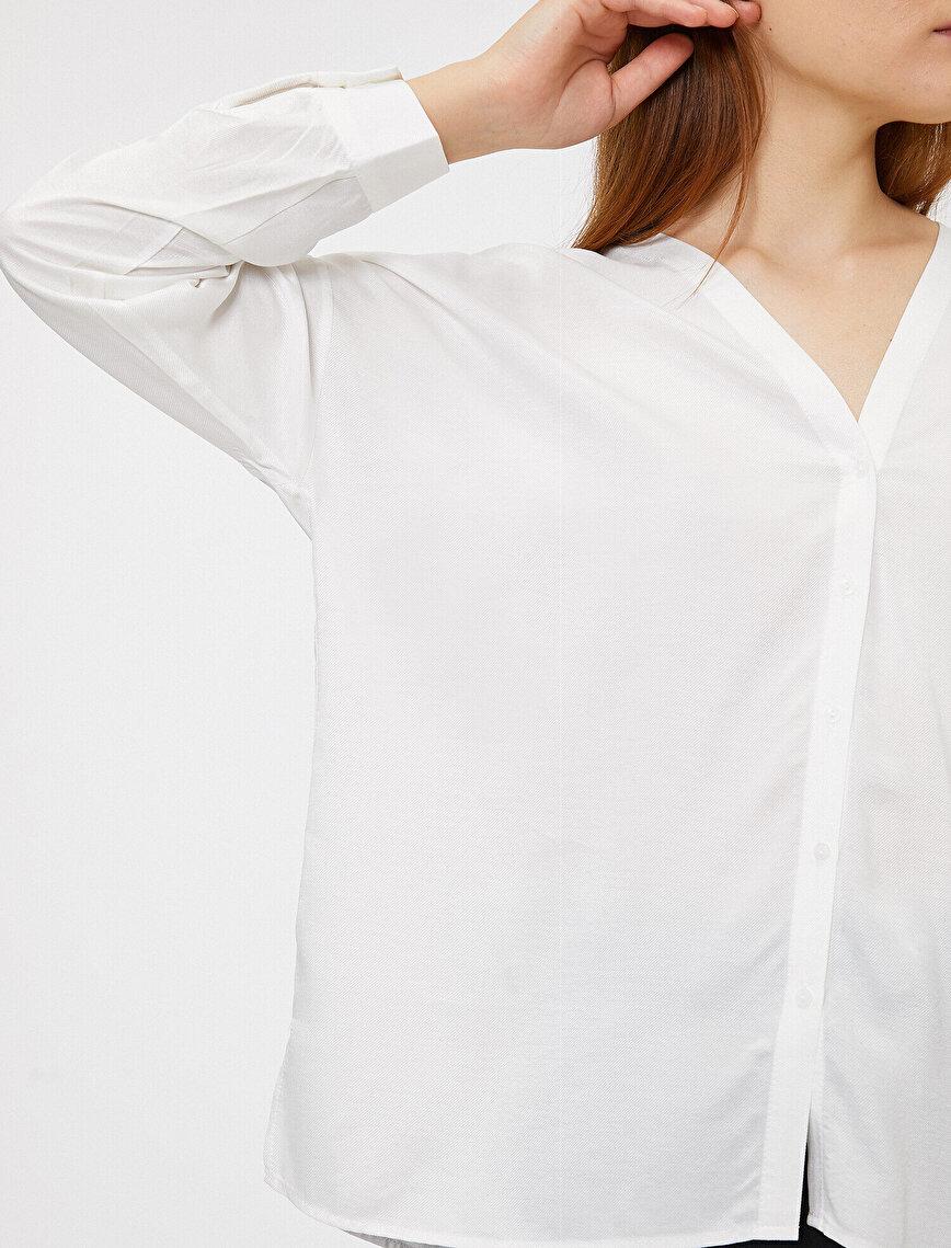 V Yaka Gömlek