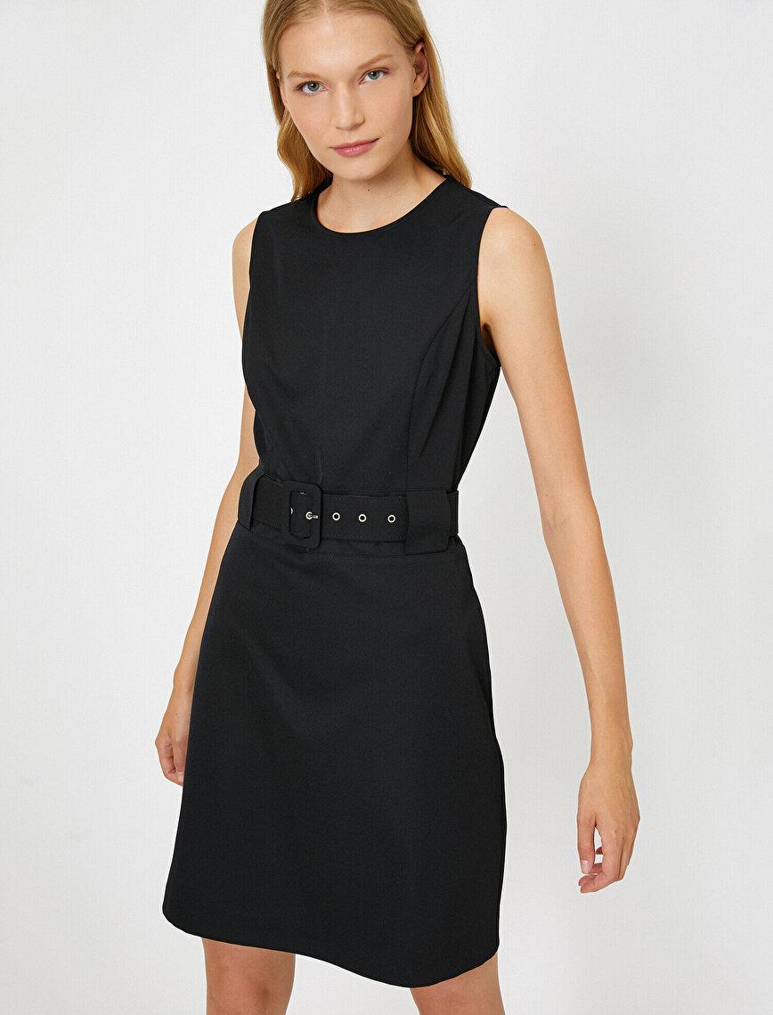 Kemer Detaylı Elbise