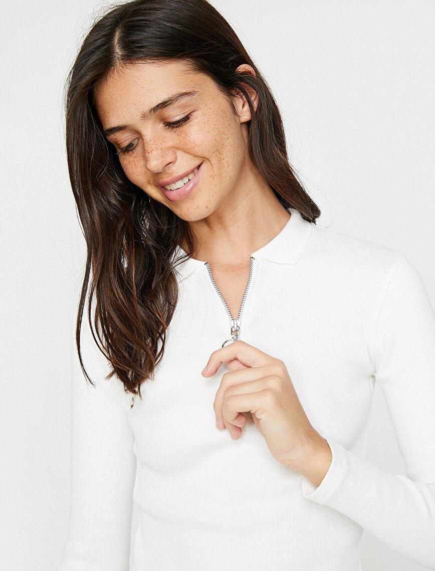 Zipper Detailed T-Shirt