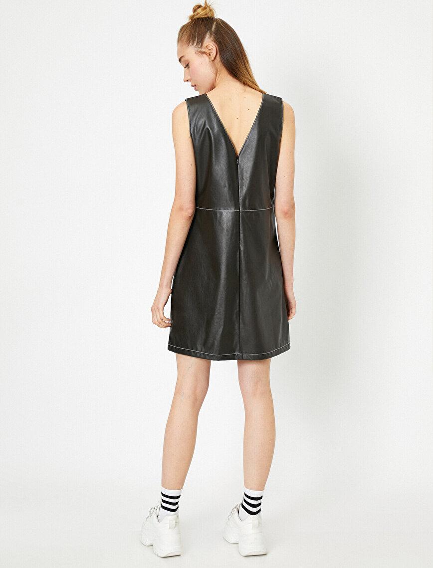 V Yaka Kolsuz Deri Görünümlü Midi Elbise