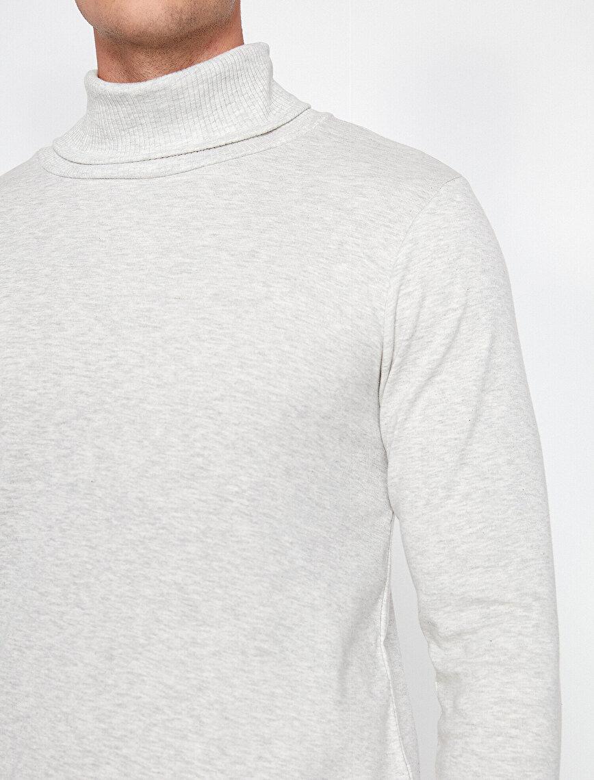 Boğazlı T-shirt
