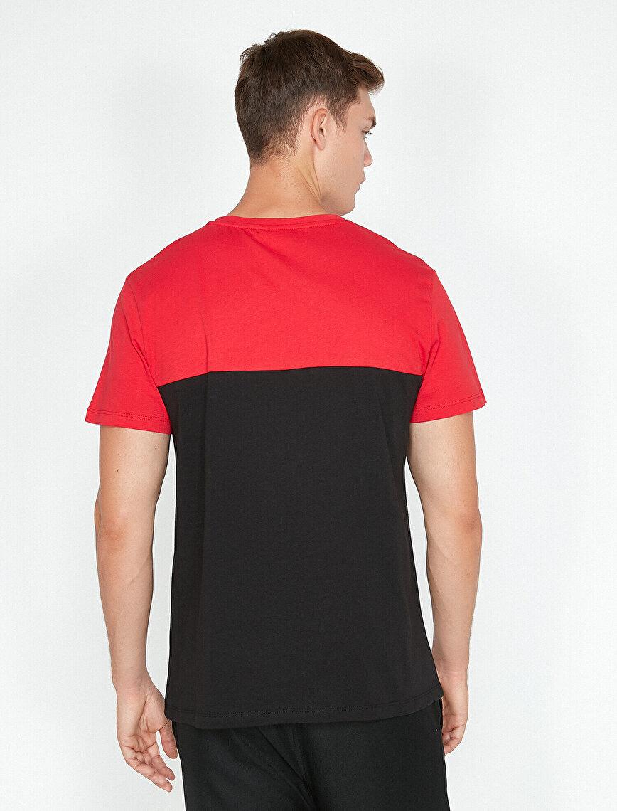 Marvel Lisanslı Yazılı Baskılı T-Shirt