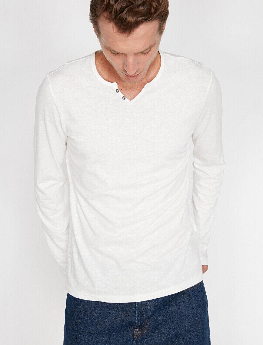 Düğme Detaylı T-Shirt