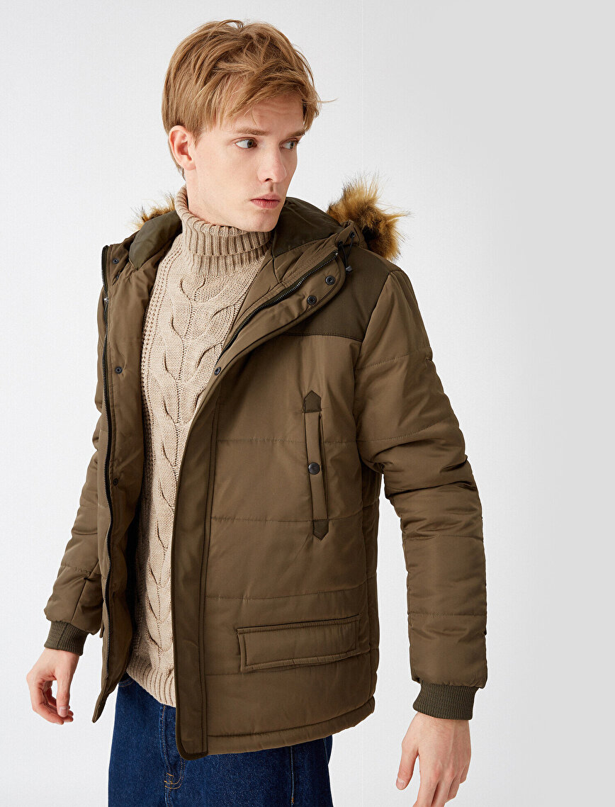 Hooded Pocket Detailed Zipper Detailed Coat