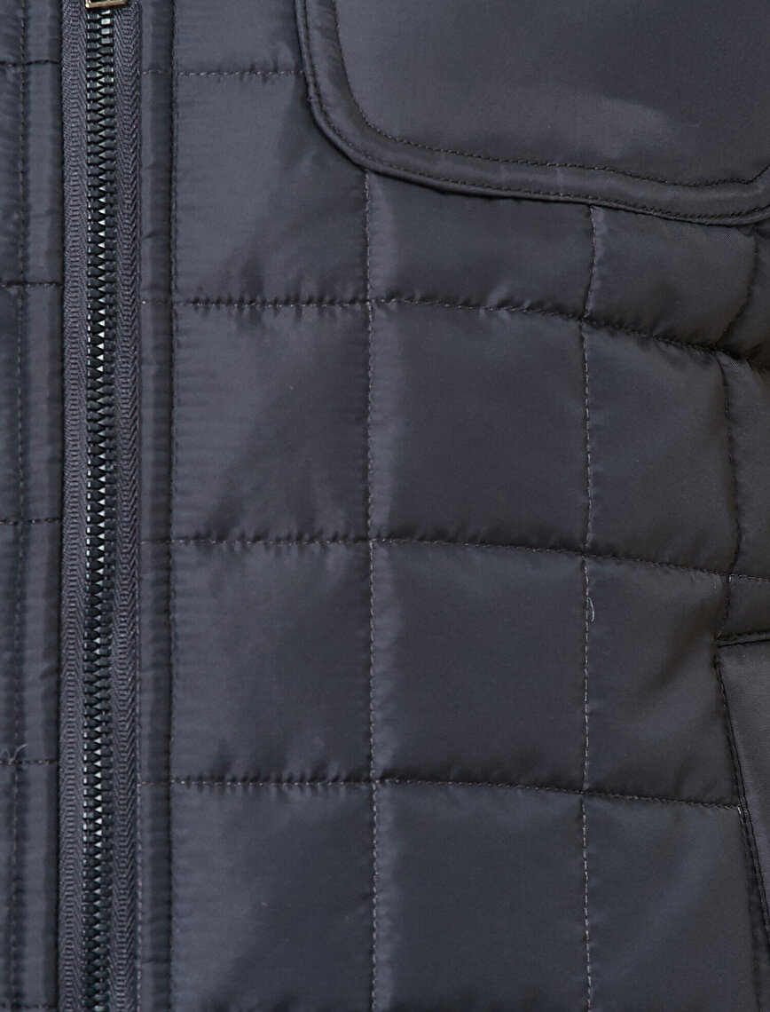 Pocket Detailed Vest