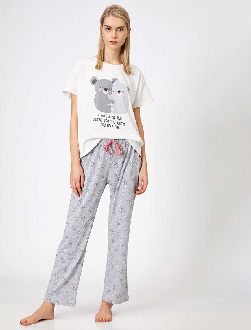 Yazılı Baskılı Pijama Seti