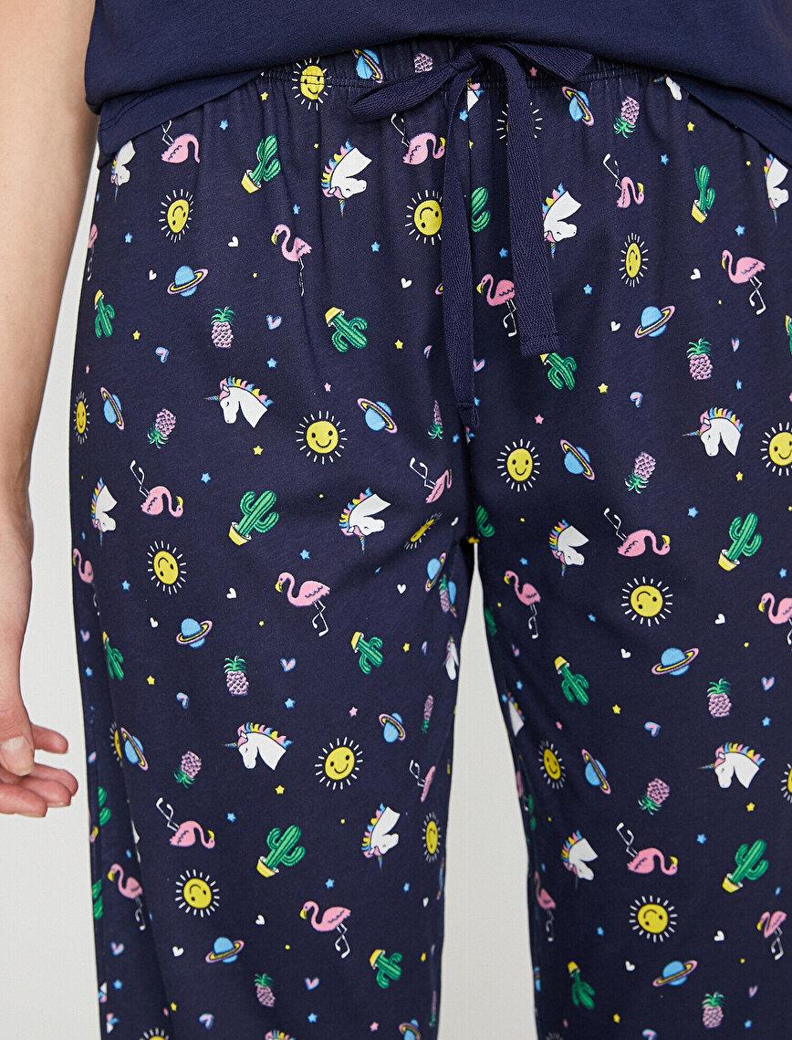 Yazılı Baskılı Pijama Takımı