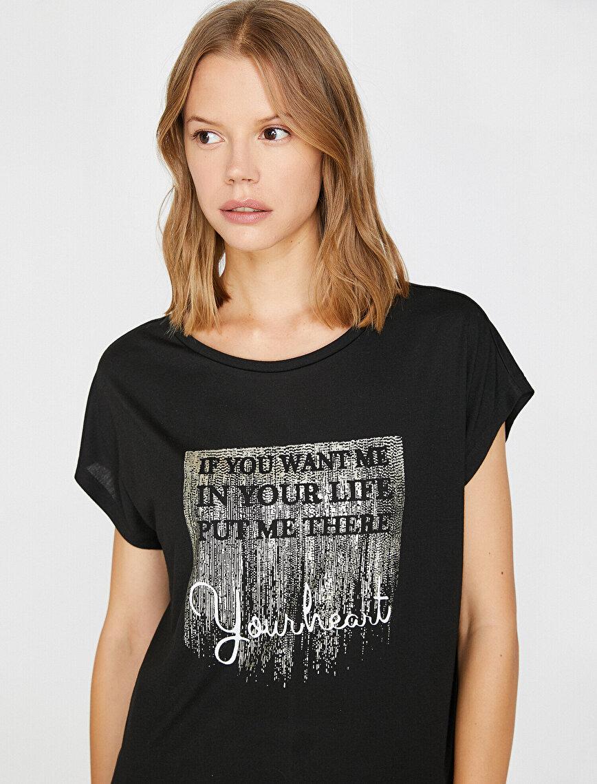 Parlak Baskı Detaylı Tişört