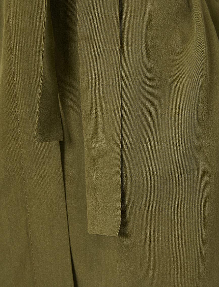 V Yaka Kolları Volanlı Uzun Kollu Beli Bağlamalı Kimono