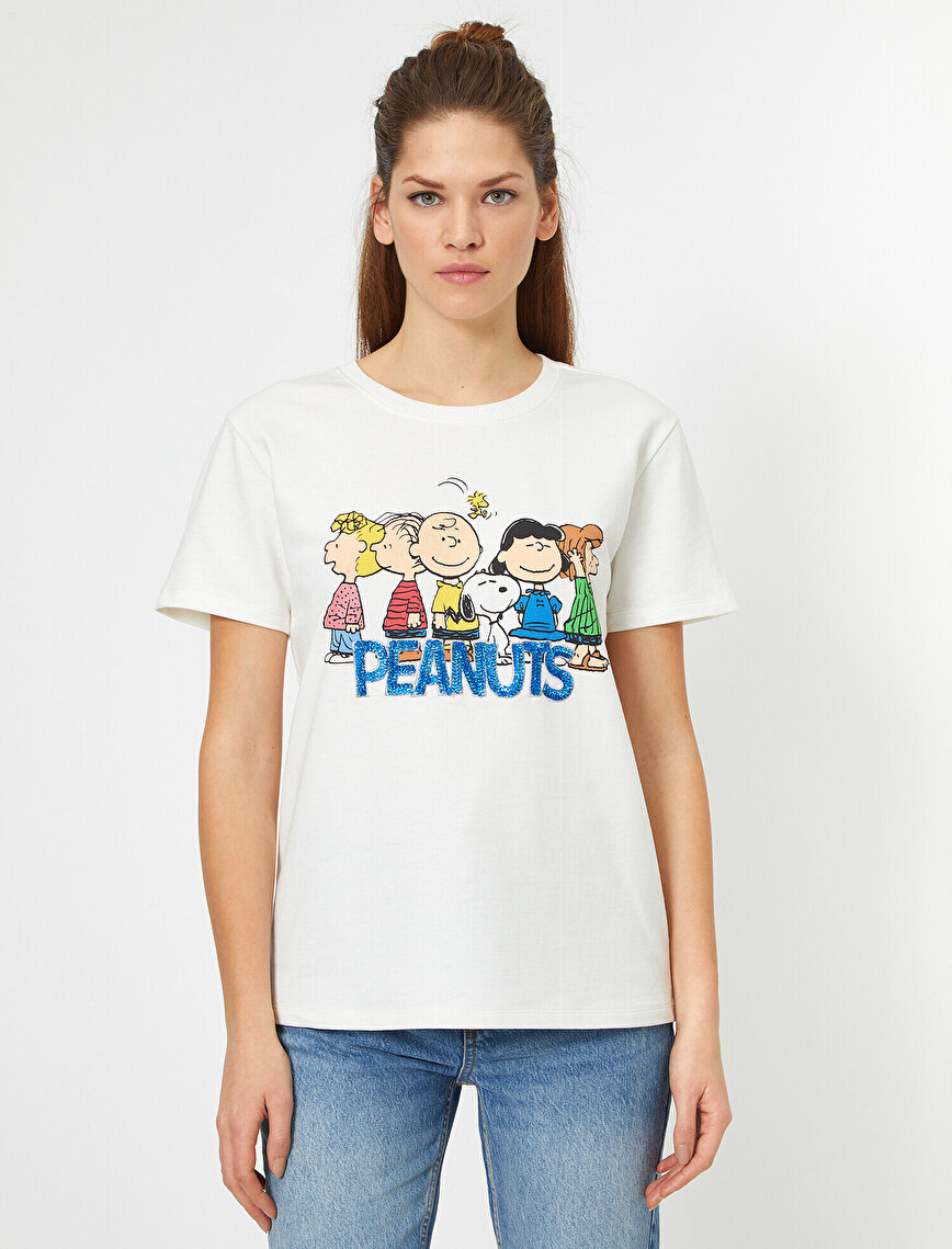 Snoopy Baskılı Lisanslı Pullu Kısa Kollu Tişört