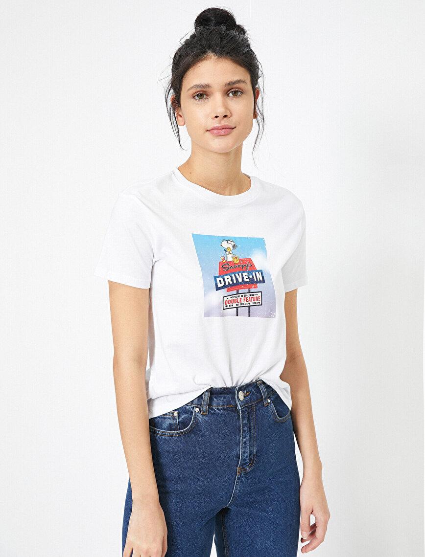 Snoopy Baskılı Bisiklet Yaka Lisanslı Tişört