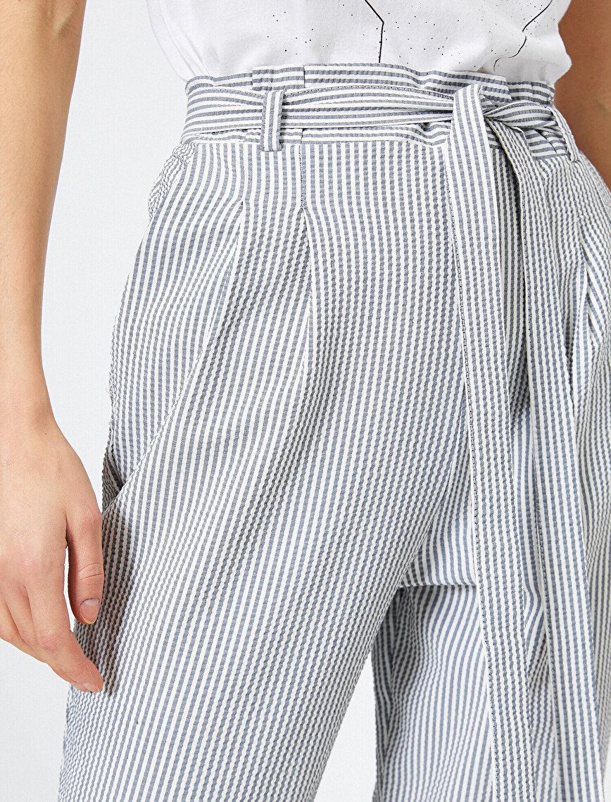 Çizgili Yüksek Bel Bağlama Detaylı Pantolon