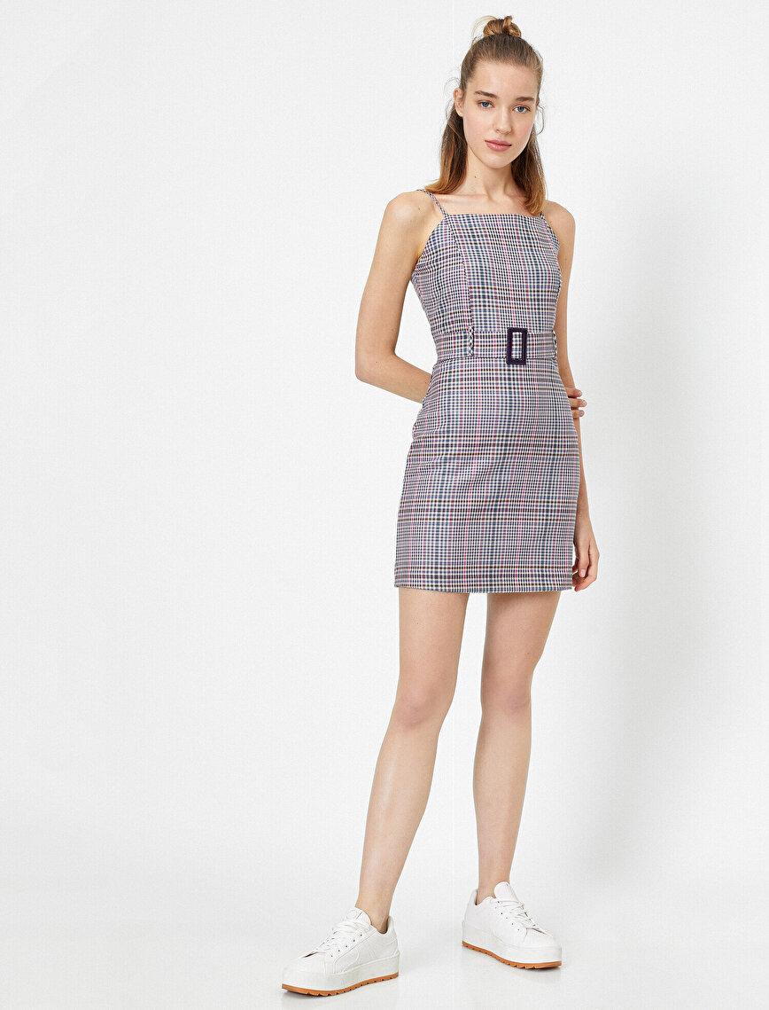 Askılı Kareli Kemer Detaylı Mini Elbise