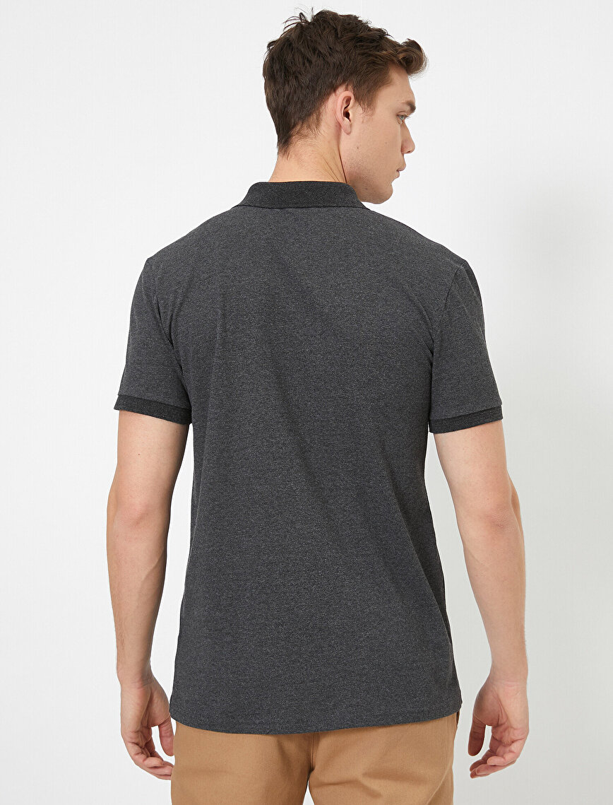 Polo Yaka Metal Logo Detaylı Slim Fit Tişört
