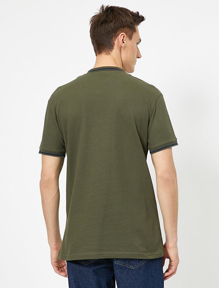 Polo Yaka Kolu ve Yakası Çzigili Slim Fit Tişört
