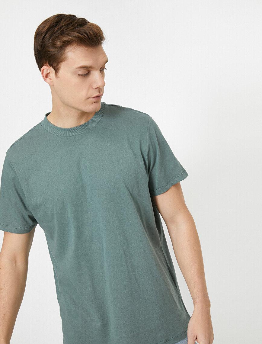 Yüksek Yaka Rahat Kesim Basic Tişört