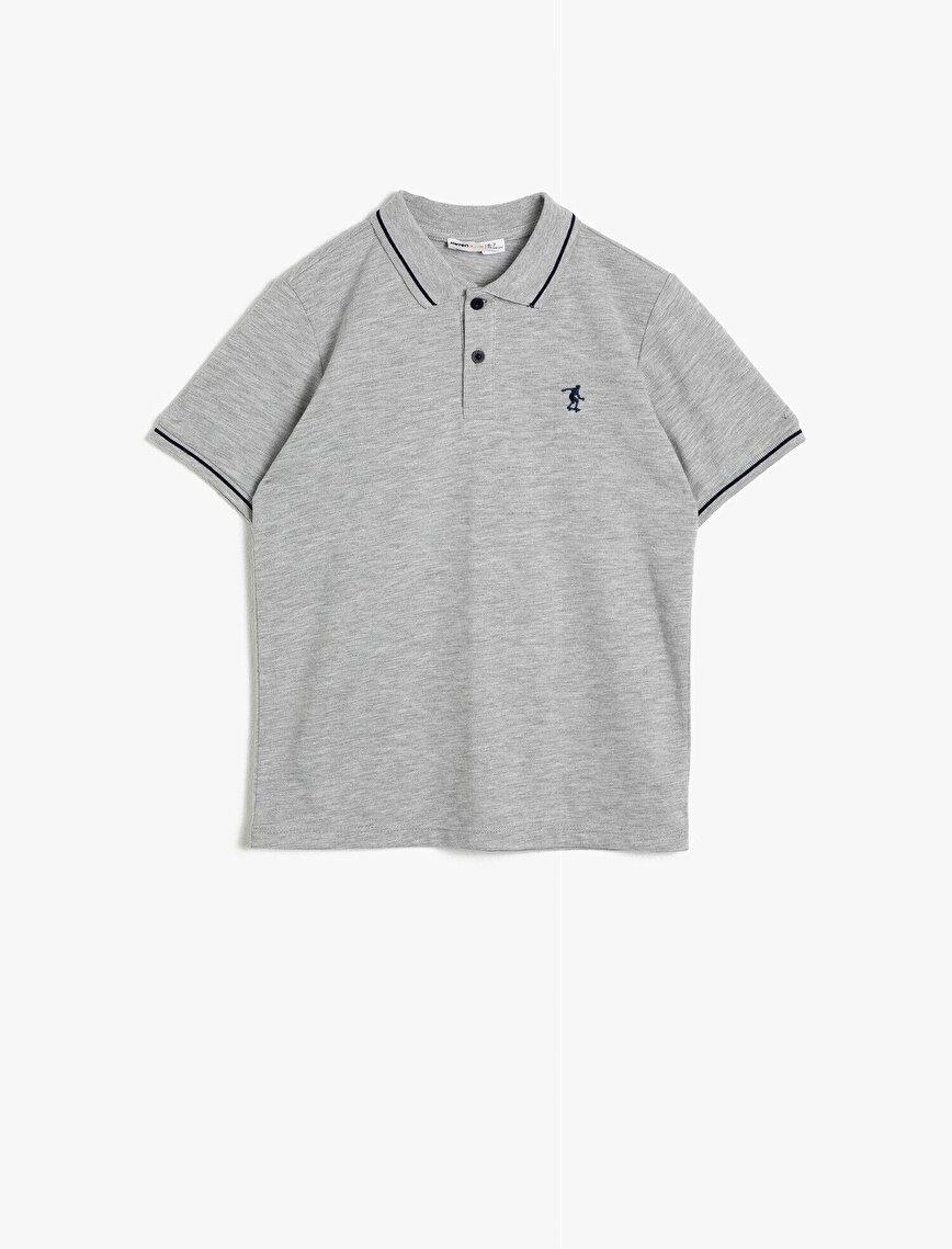 Polo Yaka Pamuklu Düğmeli Çizgi Detaylı Nakışlı Kısa Kollu Tişört