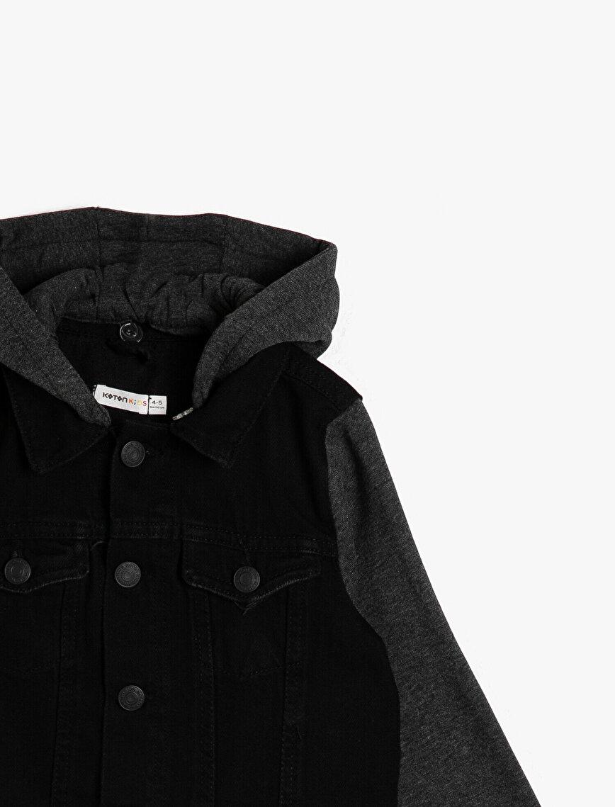 Kolları ve Kapüşonu Sweatshirt Kumaşından Kapüşonlu Rahat Jean Ceket