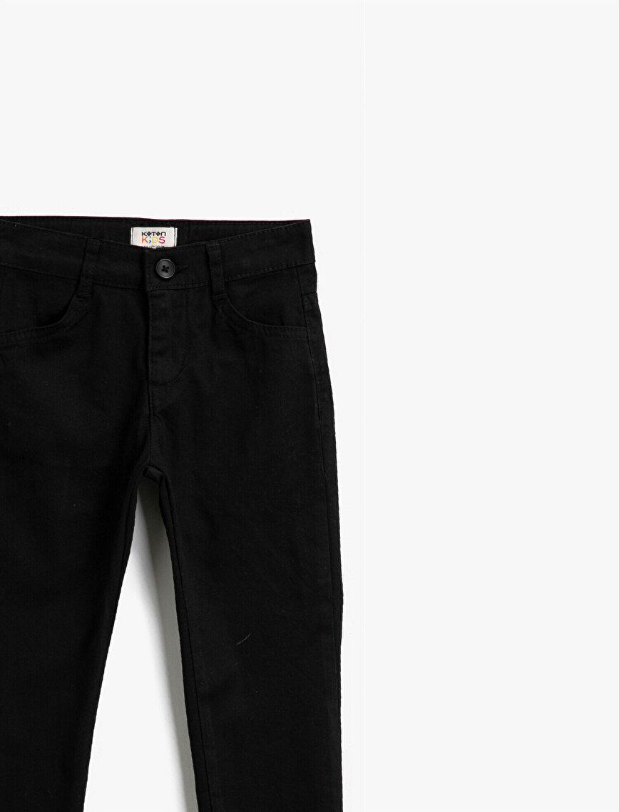 Cotton Pocket Detailed Medium Rise Jeans