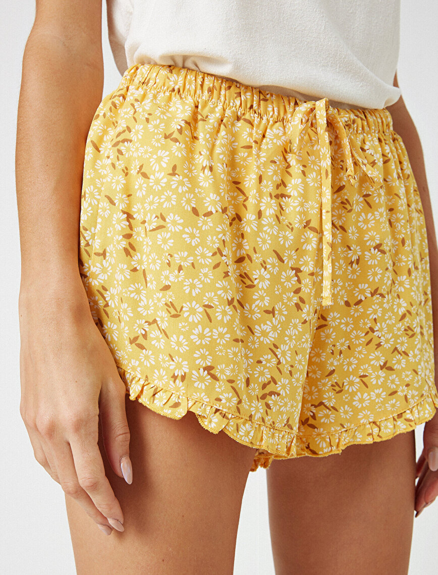 Flower Printed Frilled Shorts