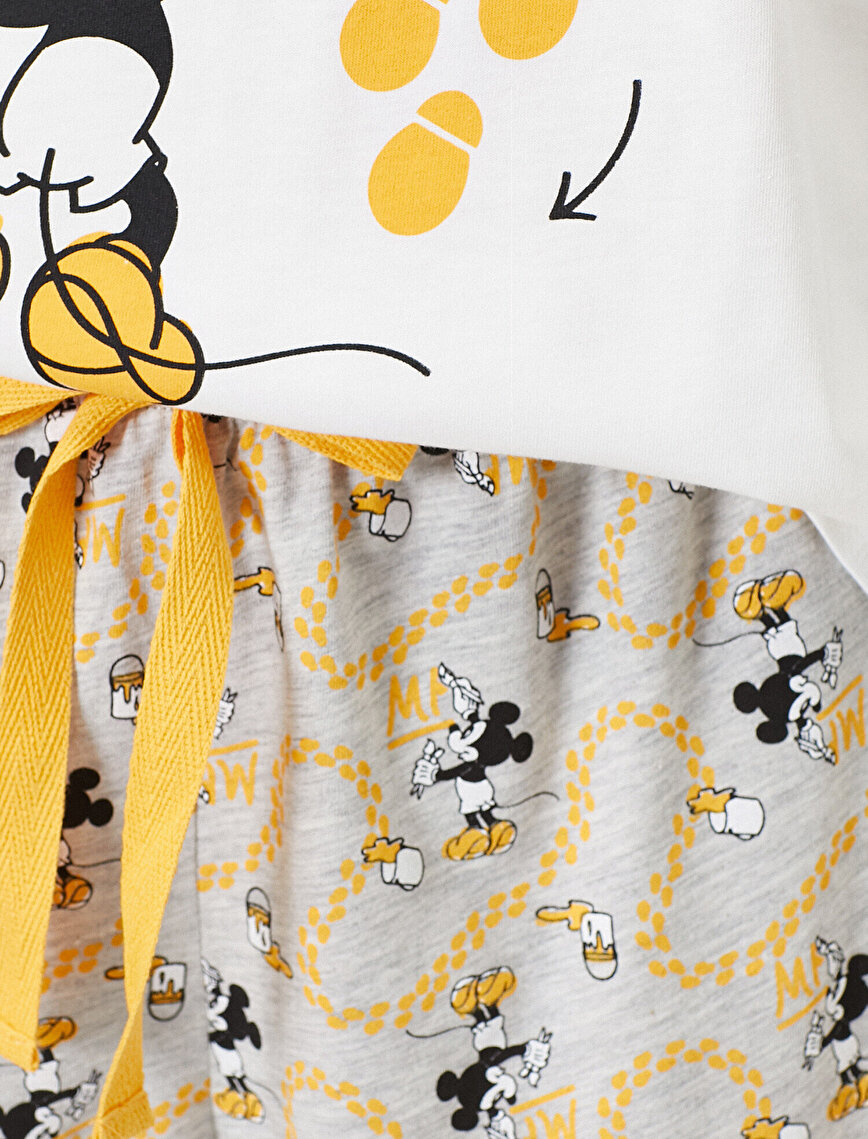 Mickey Mouse Lisanslı Yazılı Baskılı Pijama Takımı