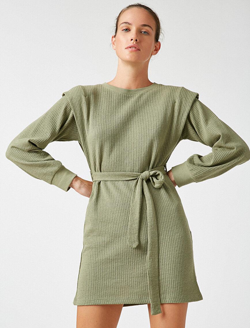 Omuz Detaylı Kemerli Uzun Kollu Kısa Elbise