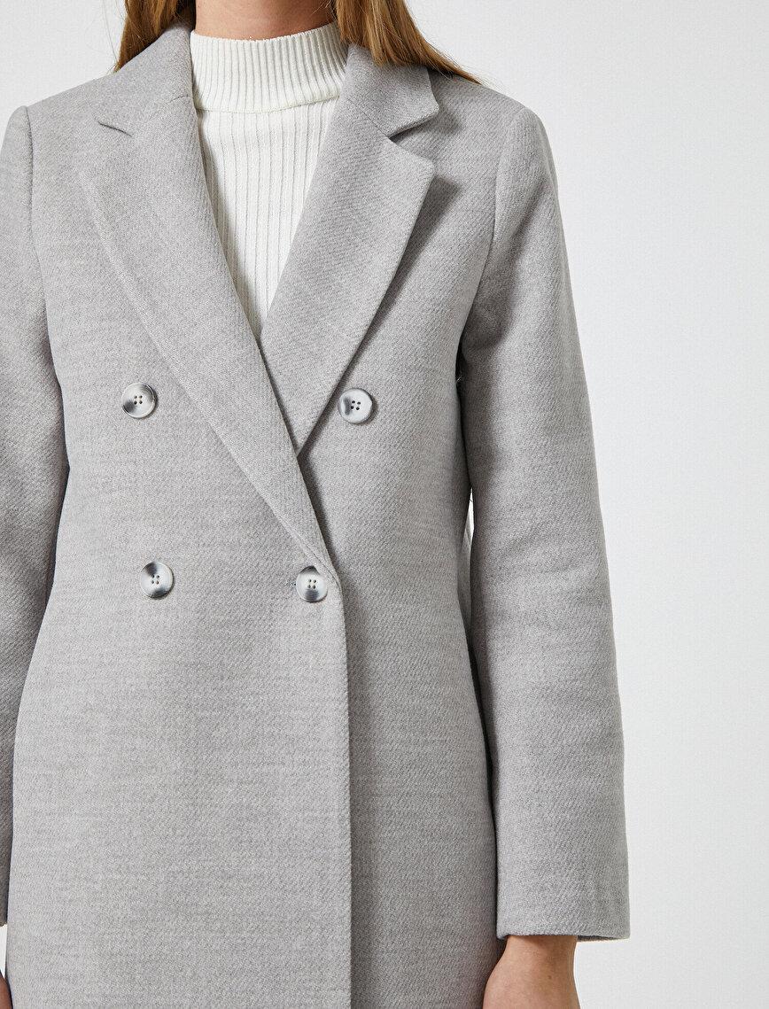 Button Kase Coat