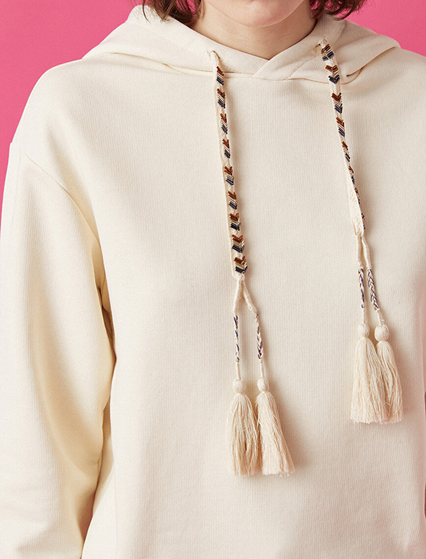 Coton Fringe Detailed Beaded Hooded Sweatshirt