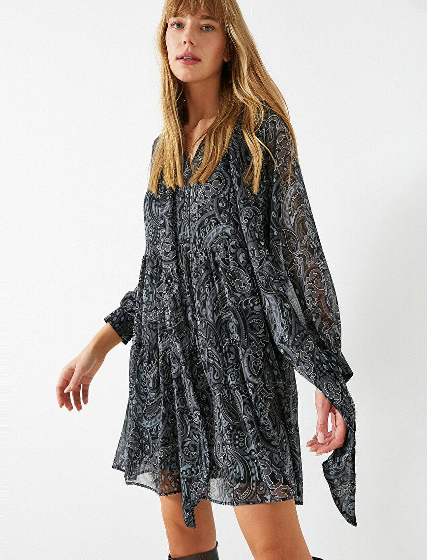 Şifon Şal Desenli Fular Yaka Kısa Elbise