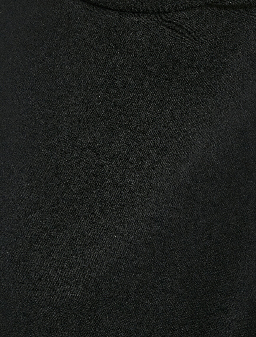 Vatkalı Kısa Elbise