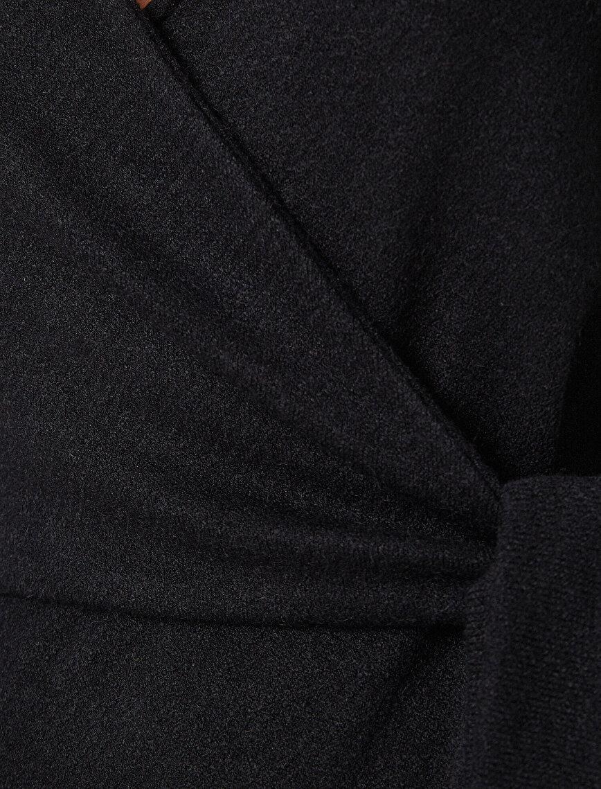 Bağlama Detaylı Uzun Kollu Kısa Elbise