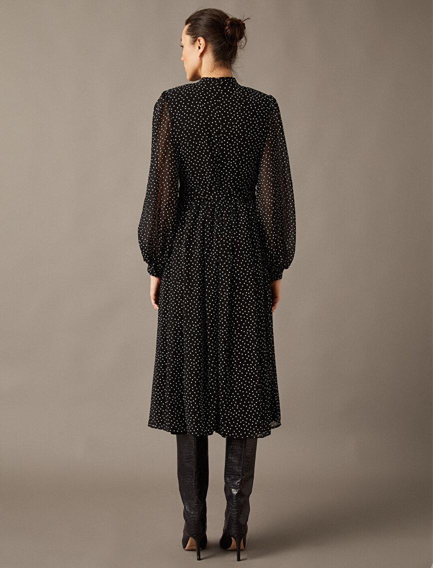 Dik Yaka Uzun Kollu Puantiyeli Tül Elbise