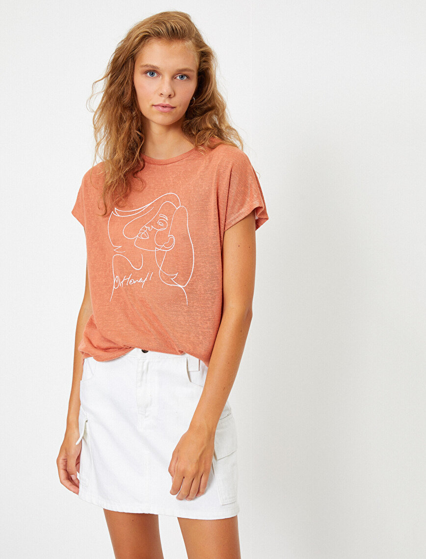 Round Neck Letter Printed T-Shirt