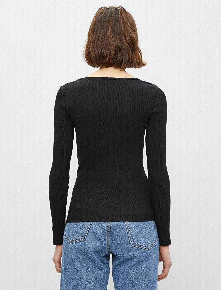 Uzun Kollu Yaka Detaylı Tişört