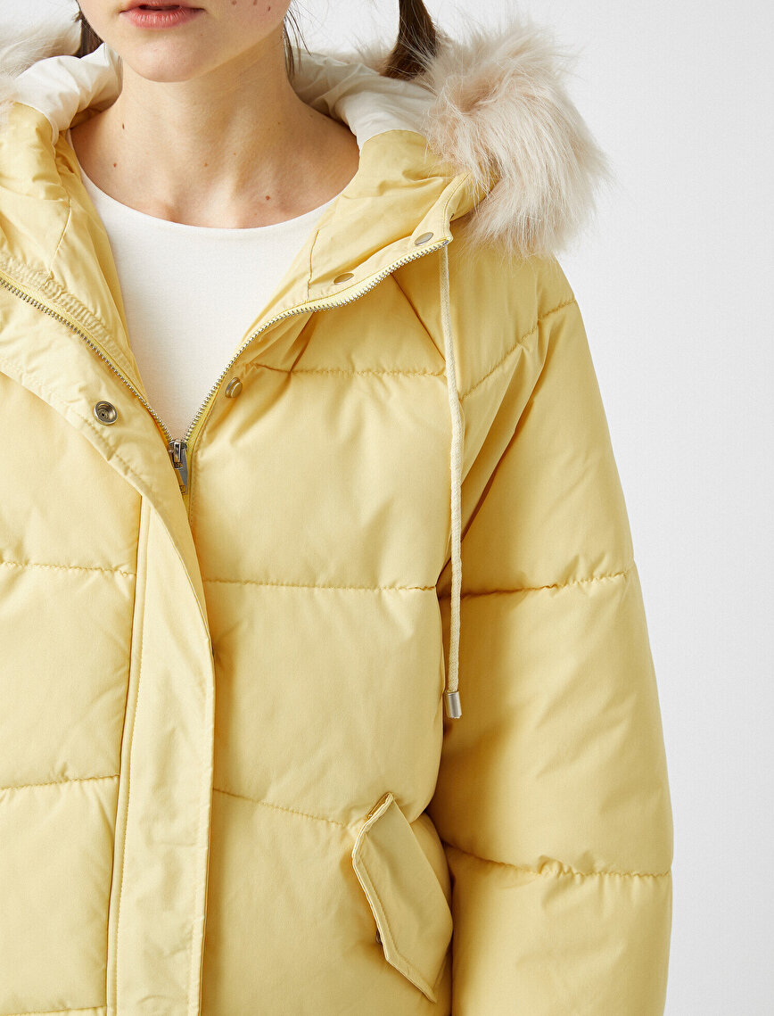 Faux Fur Detailed Hooded Puffer Jacket