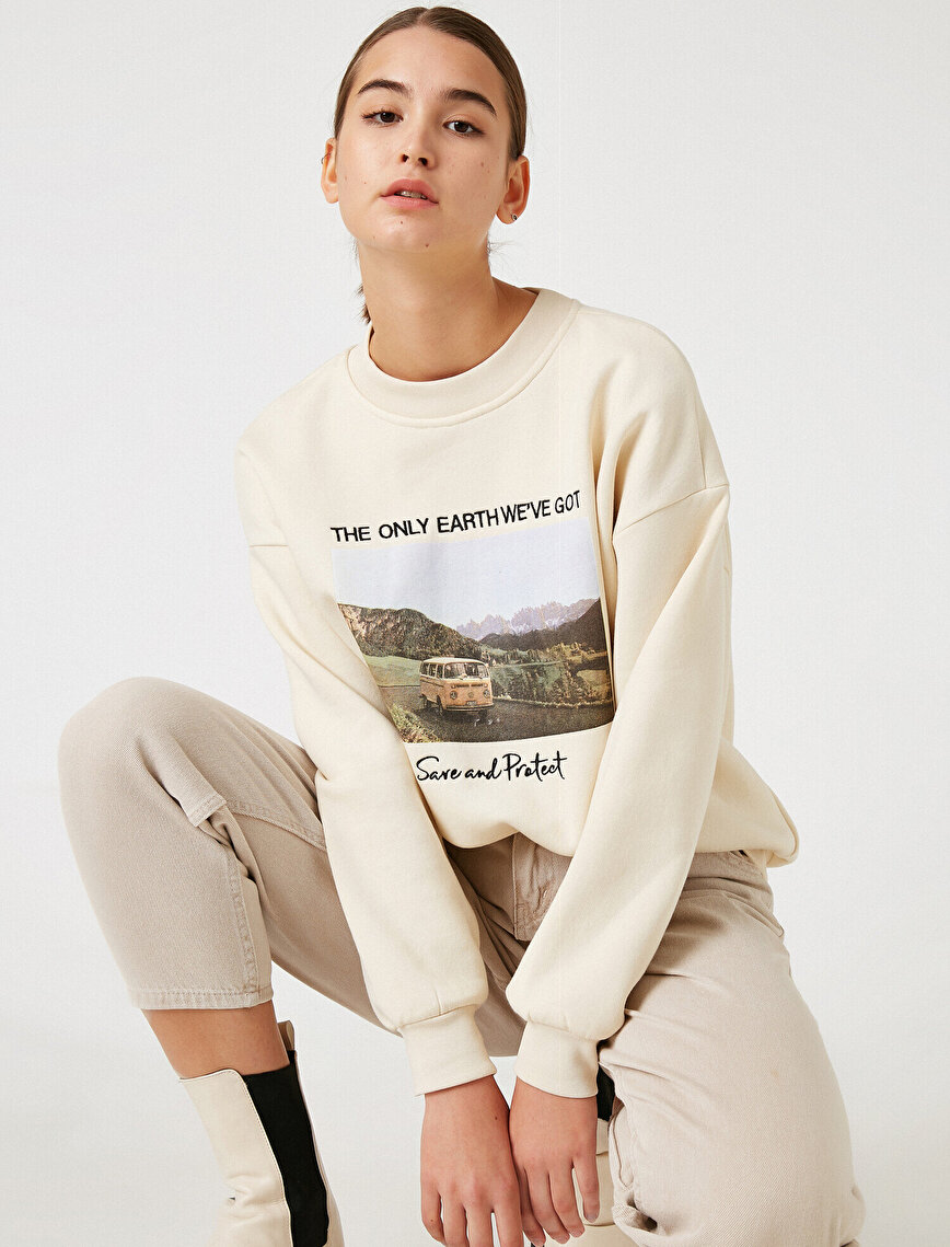 Respect Life | Yaşama Saygı - Organic Cotton Crew Neck Printed Sweatshirt