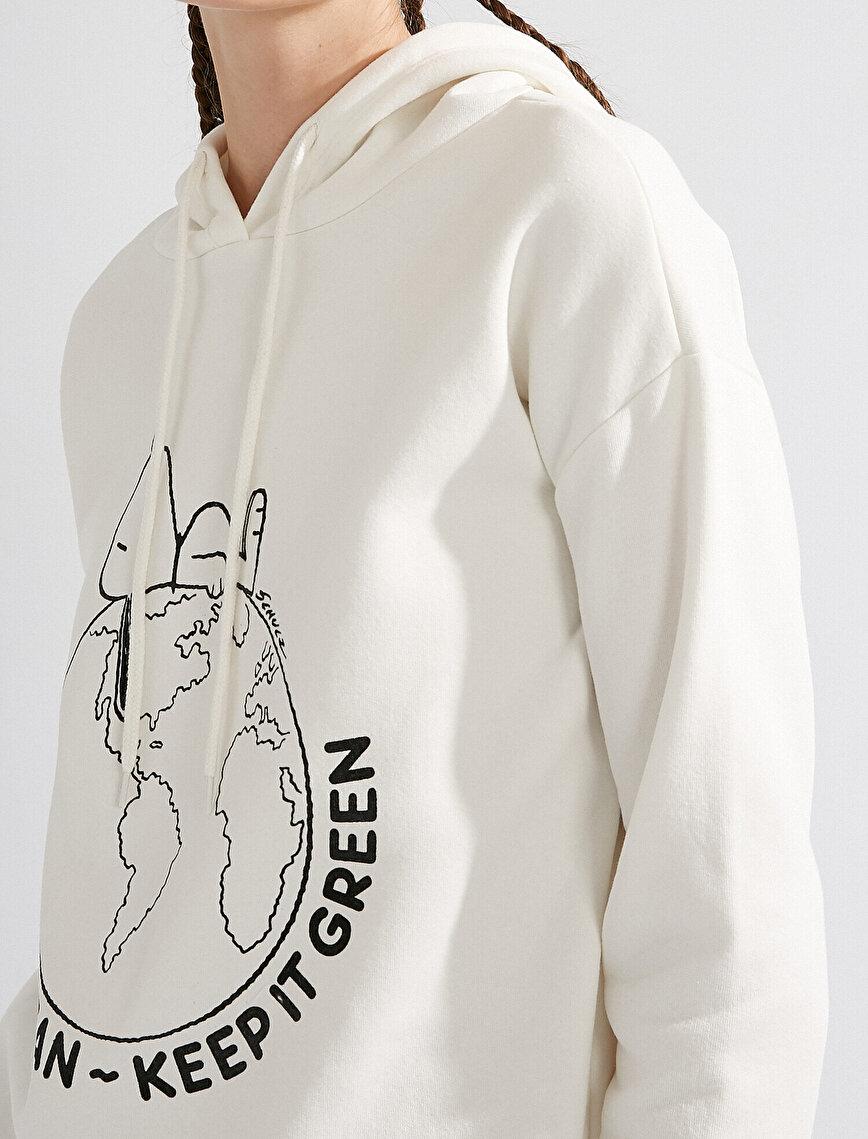 Snoopy Licensed Printed Hooded Sweatshirt
