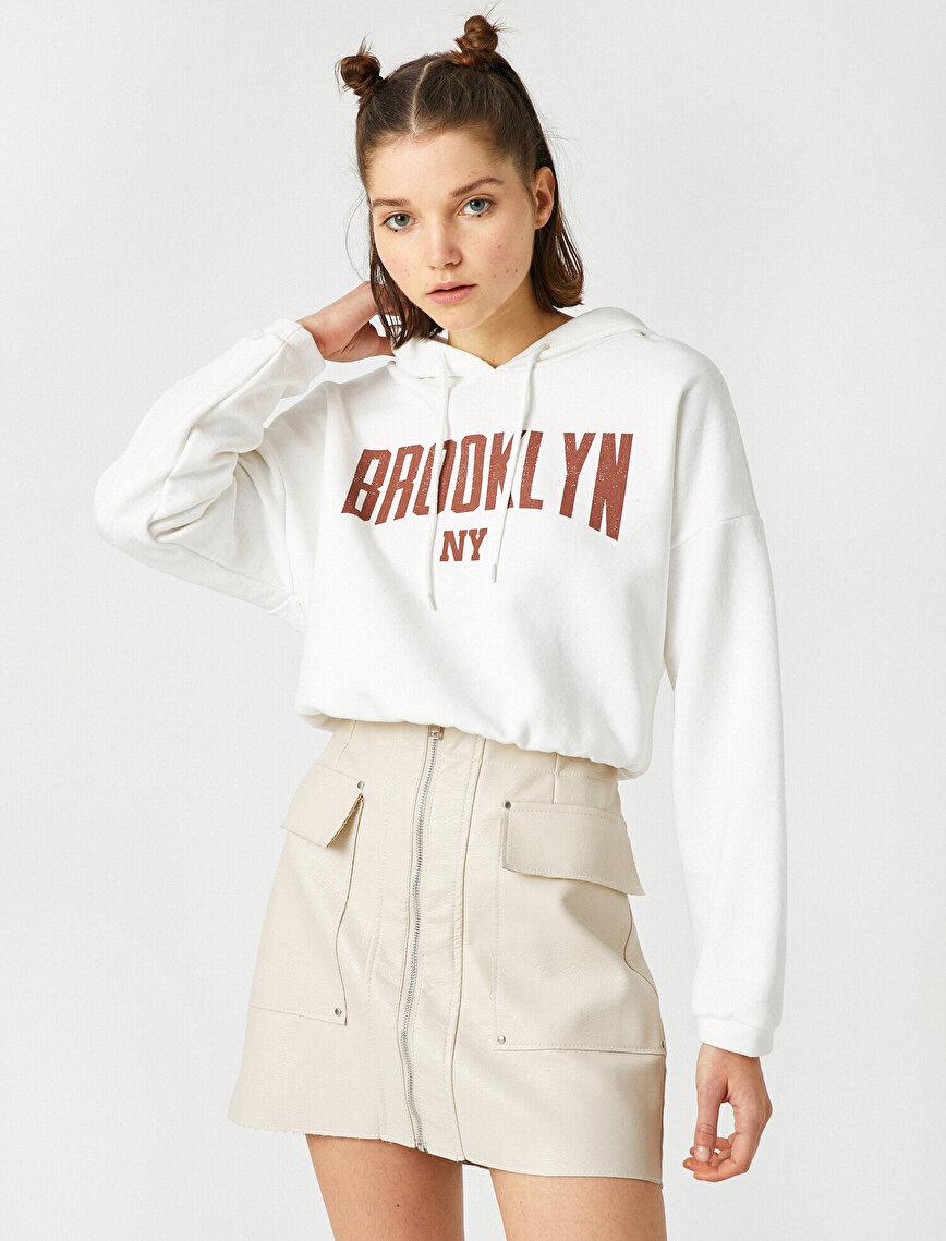 Pamuklu Kapüşonlu Yazılı Baskılı Crop Sweatshirt
