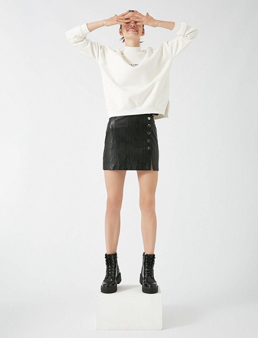 Yazılı Baskılı Yüksek Yaka Sweatshirt
