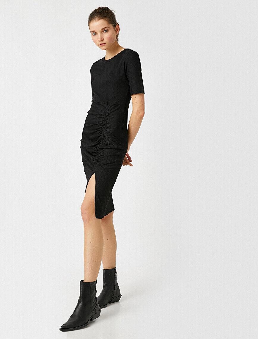 Short Sleeve Gathered Slit Detailed Dress