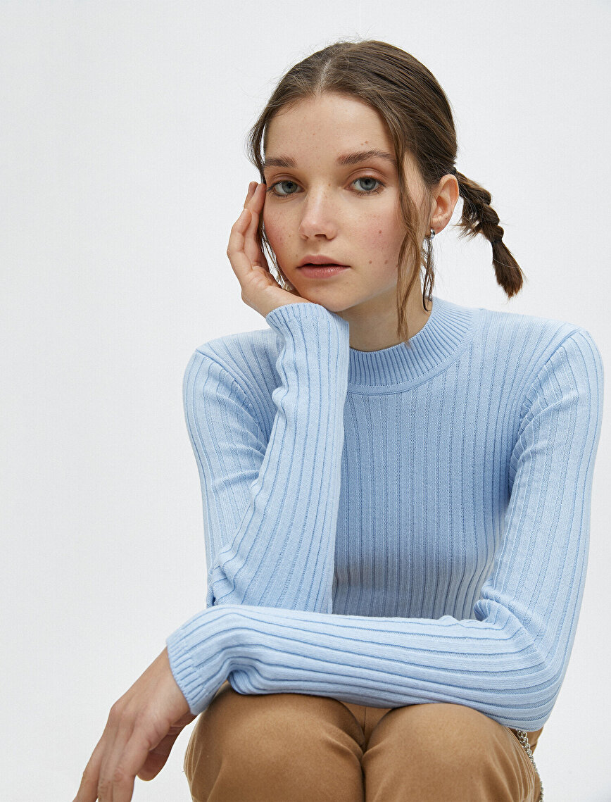Stand Neck Long Sleeve Slim Sweater